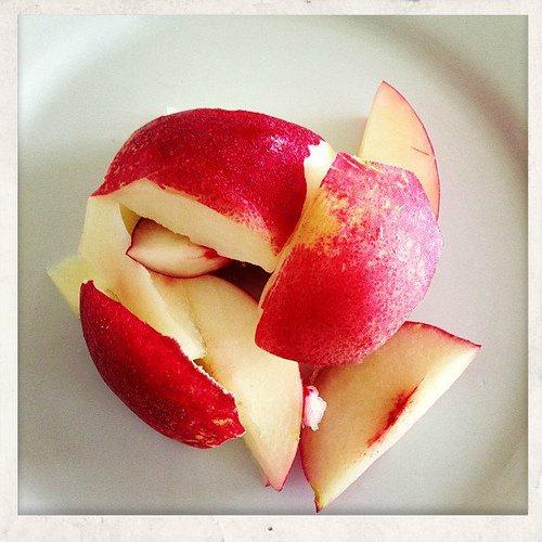 Nectarines slices
