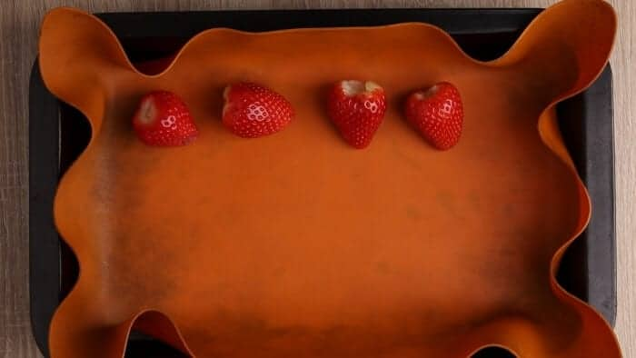 Baking sheet and a silicone mat
