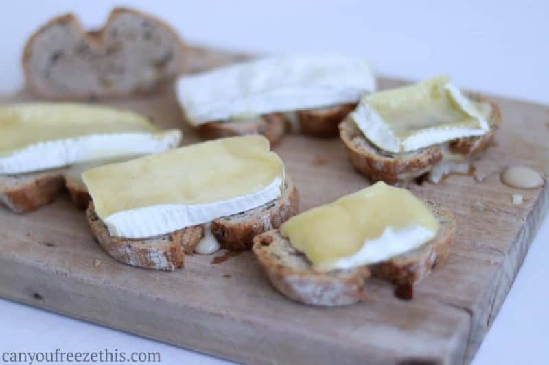 Brie toast