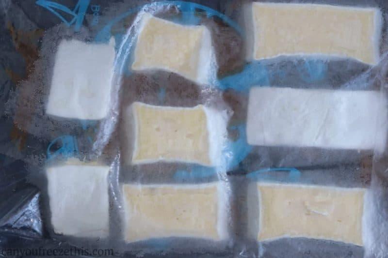 Frozen brie slices