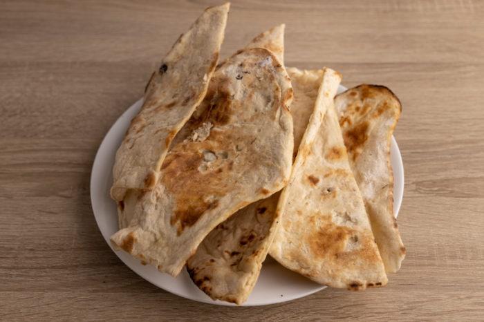 Frozen naan breads