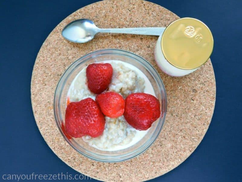 Oatmeal with strawberries-and-yogurt