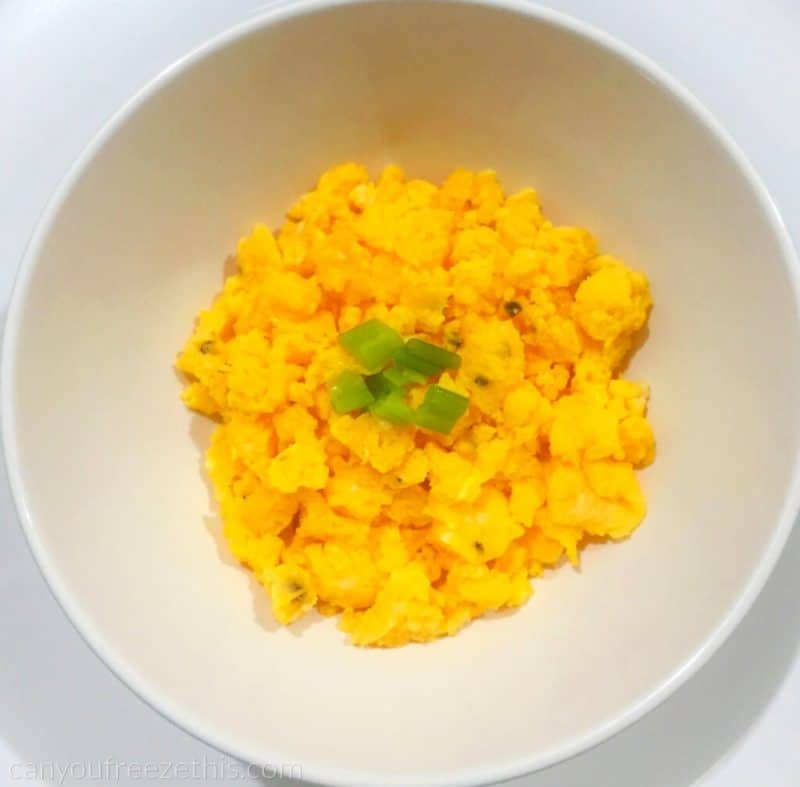 Scrambled eggs with leek in a bowl